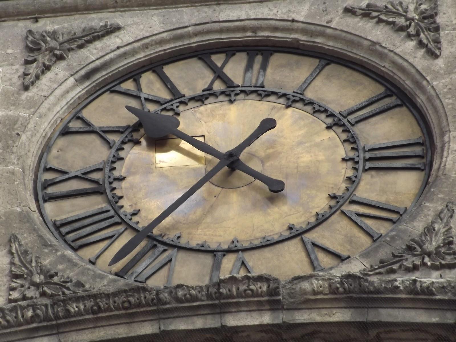 Los Detalles De La Catedral Metropolitana De La Ciudad De