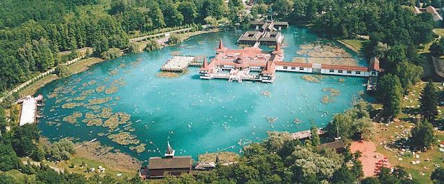 Озеро Хевиз – самое большое термальное озеро на планете