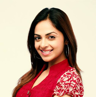 Richa Pallod movies, hot, images, husband photo, family, husband, marriage photos, photos, actress, indian actress, husband name, age, wiki, biography