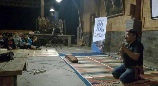 Eka Santosa Sambut Komunitas Jelajah Gunung Bandung