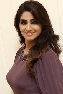 Gorgeous Indian Television Queen Varshini Sounderajan Without Makeup Face Closeup (3)