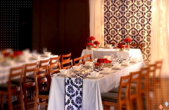 Classic Glamour wedding motif at Max's Restaurant