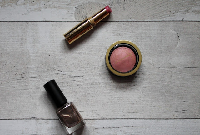 Max Factor Lipfinity Lipstick and Creme Puff Blush Review