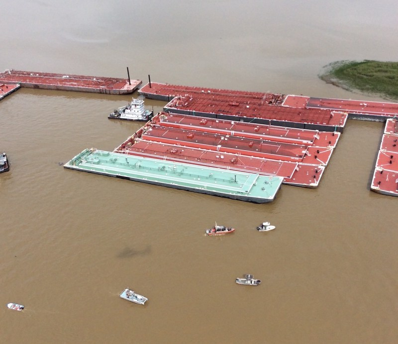 VIDEO: Man Dies After Tugboat Flips on San Jacinto River Near Houston