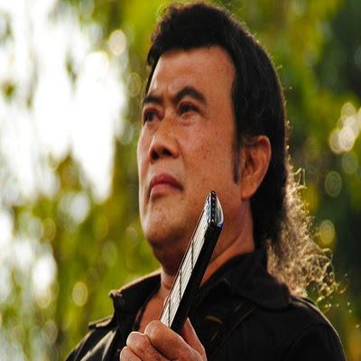 Siapa yang tidak mengenal Raja Dangdut Rhoma Irama Kumpulan Lagu Rhoma Irama Full Album Mp3 Terlengkap