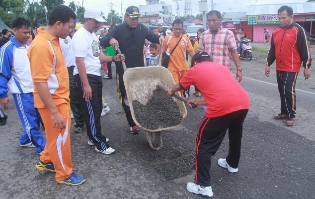 Dibully di Medsos, Bupati Sukandar; Biarlah Masyarakat yang Menilai