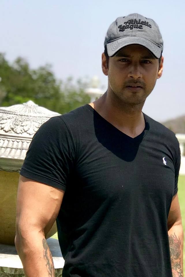 Yash Dasgupta Wiki, Height, Weight, Age, Wife, Family and Biography