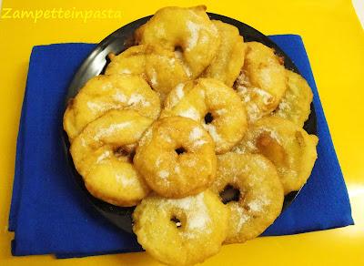 Frittelle di mele -Ricette di Carnevale