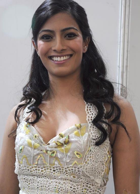 Hacked S. Varalakshmi nudes (32 fotos) Paparazzi, Facebook, in bikini