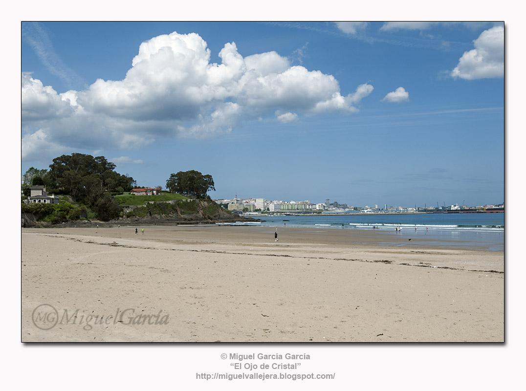 Praia de Bastiagueiro, Liáns - Oleiros (A Coruña).