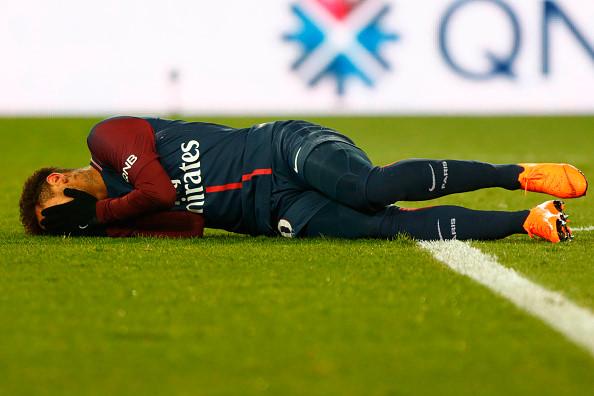 Neymar chấn thương là thời điểm thuận lợi để Cavani tỏa sáng, nhưng chân sút này lại không đáp ứng được kỳ vọng của đội bóng.