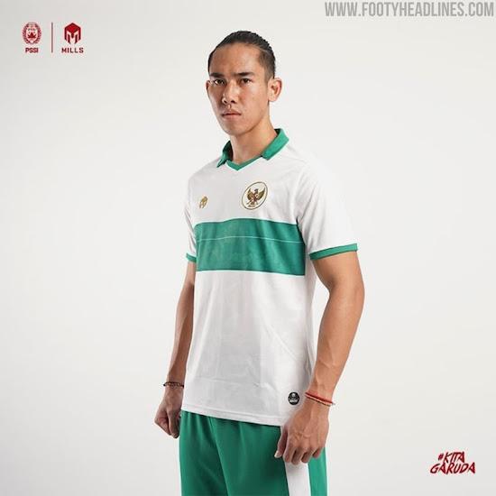 https://4.bp.blogspot.com/-GPHtfSyVJcM/Xx6_F-XDRGI/AAAAAAAAUH0/nsOTOo_xdqoNB67hRqrOUNmTMnYK0vcwwCLcBGAsYHQ/s550/mills-sport-indonesia-2020-away-kit-7.jpg