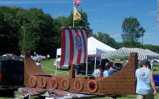 Barco de cartón  vikingo