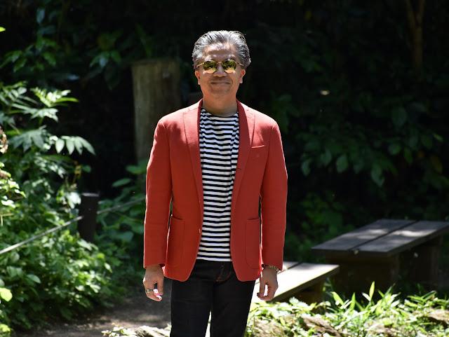 横縞柄Tシャツとジャケットのコーディネート