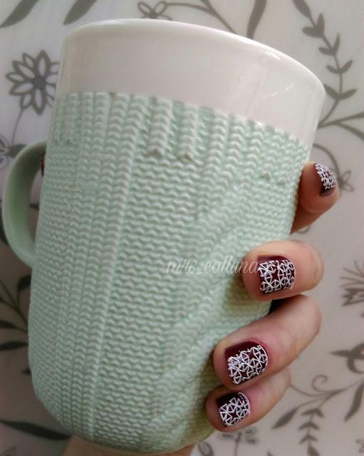 samoprzylepne naklejki na paznokcie