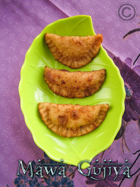 how-to-make-mawa-gujiya-at-home