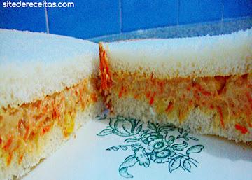 Patê de atum com cenoura, milho e ervilha