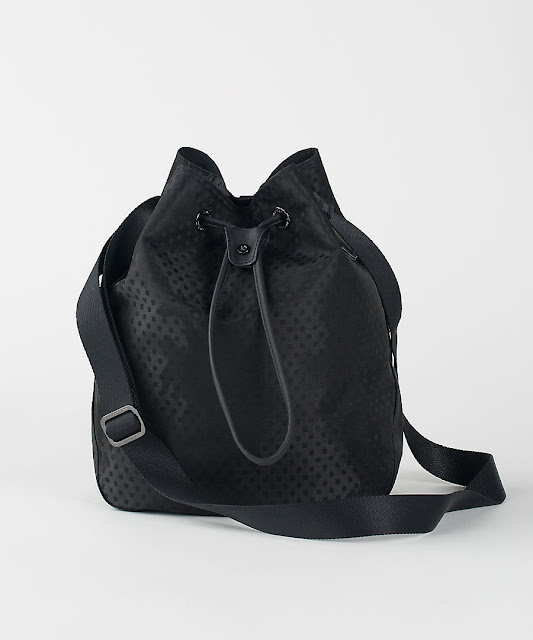 lululemon bucket-of-fun-bag
