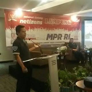 Sekjen MPR RI di Acara Ngobrol Bareng MPR RI dan Netizen Lampung