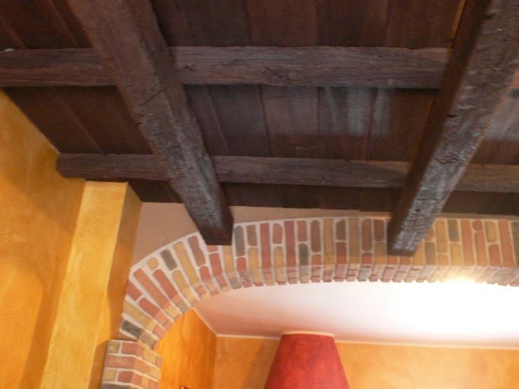 Soffitto In Legno Finto : Travi in finto legno consigli ed utilizzo edilizia in un click