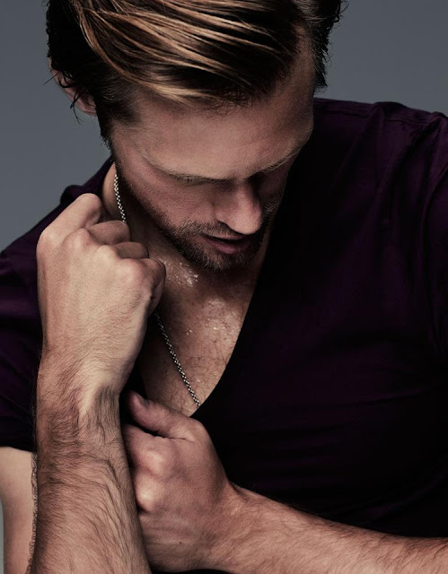 Alexander Skarsgård tarzan height, wife, siblings, girlfriend, married, age, dating, gay, movies and tv shows,  true blood, body, zoolander, 2016, interview, diet, awards, films, workout, vikings, hot, feet, true blood, tattoo, accent, speaking swedish