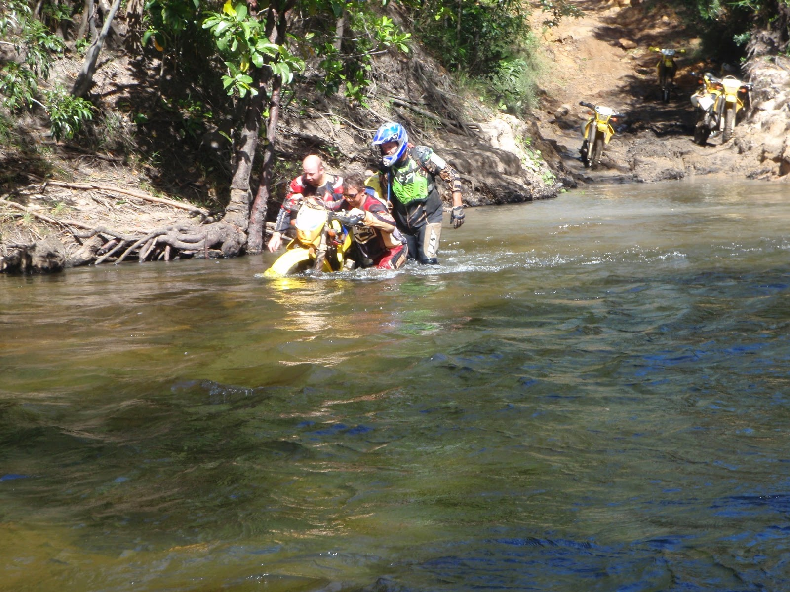 Fair Dinkum Bike Tours: Technical Tips - Dewatering the