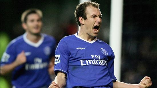 Arjen Robben ký hợp đồng gia nhập Chelsea.