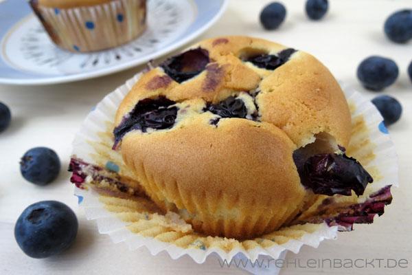Classic Blueberry Muffins - Klassische Blaubeer Muffins | Foodblog rehlein backt