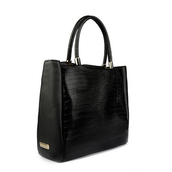 Chiếc túi thiết kế theo phong cách cổ điển cực kỳ sang trọng