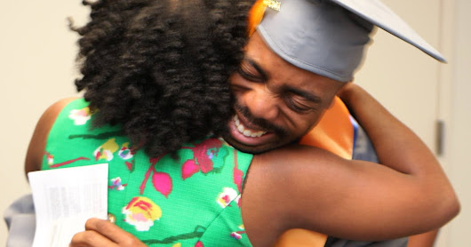 Awesome Brother-Sister Story at Graduation