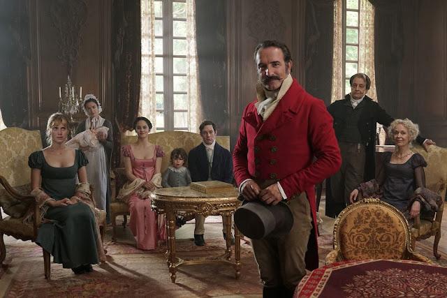 Le capitaine Neuville (Jean Dujardin, au centre) dans Le Retour du héros de Laurent Tirard (2018)
