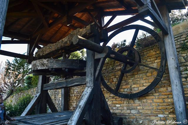 Ancien moulin pour la fabrication du vin à Oingt