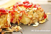 Brie con romero, almendras y mermelada de cerezas