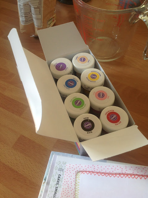 box of wilton food colour gels