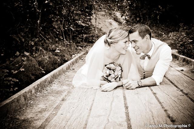 photo mariés front contre front sépia