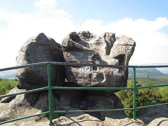 Tron Liczyrzepy (919 m n.p.m.).