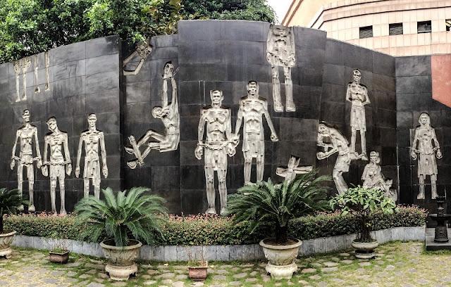 Hoa Lo Prison 4