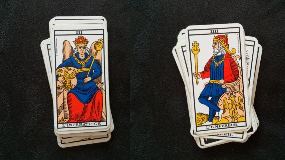 A gauche la carte de l'impératrice, à droite, celle de l'empereur