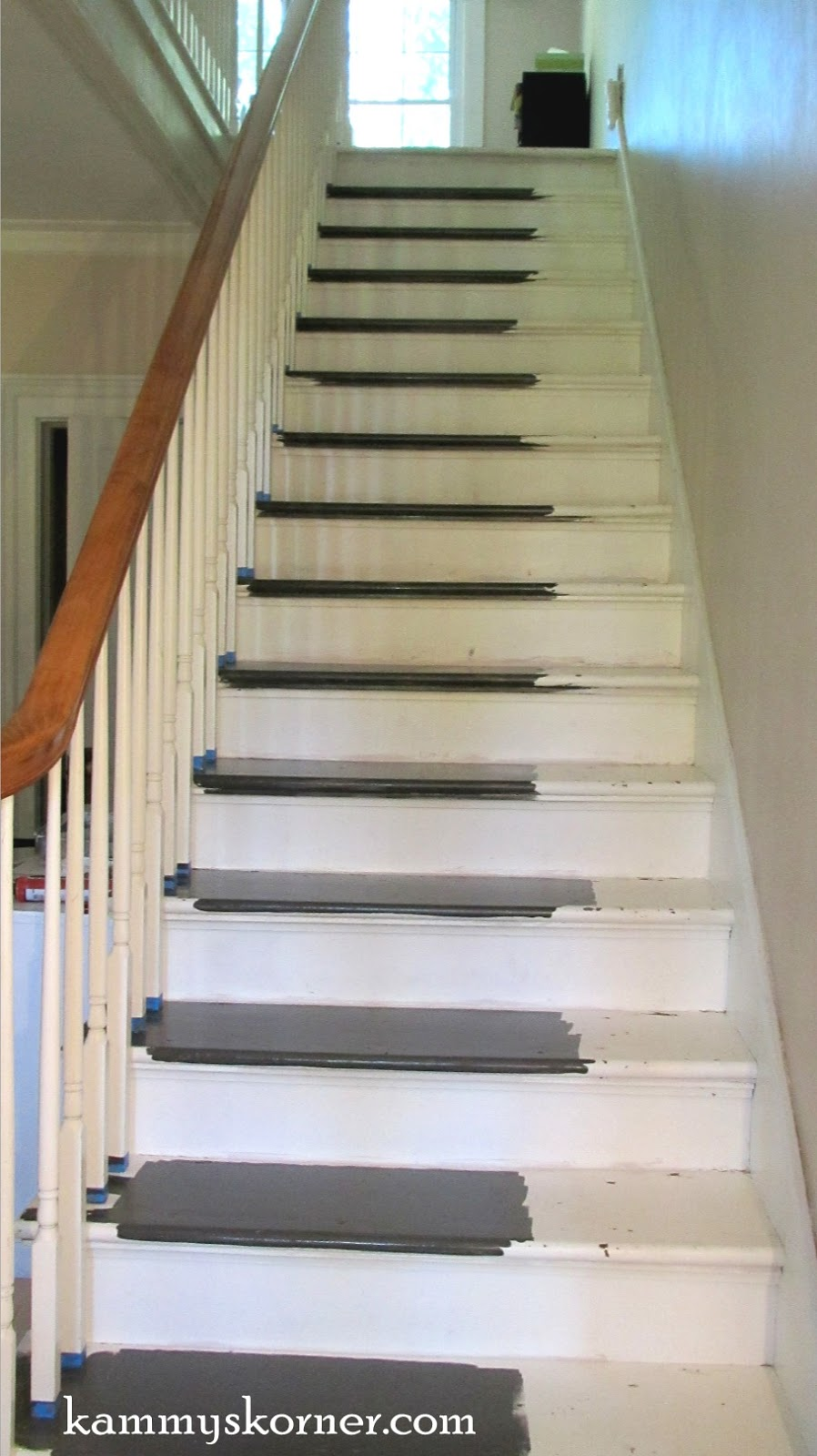 kammy 39 s korner painting the stairs with diy chalk paint. Black Bedroom Furniture Sets. Home Design Ideas