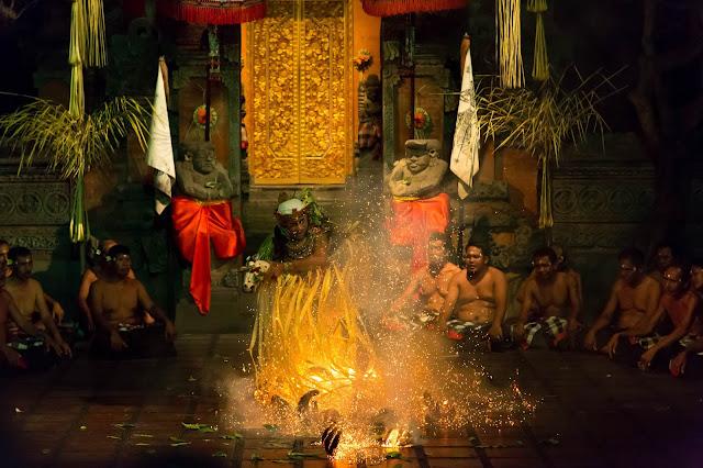 What to do in Bali kecak dance