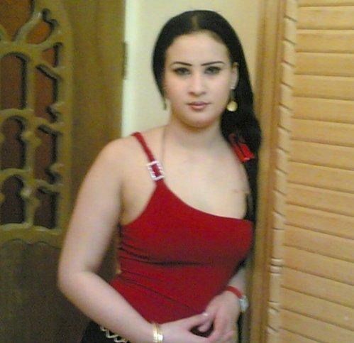 مطلقة مصرية للزواج