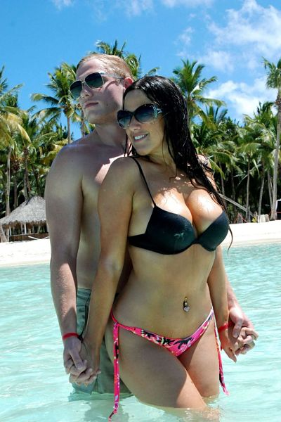 Claudia Romani and boyfriend Christopher Johns on a beach in Saona Island