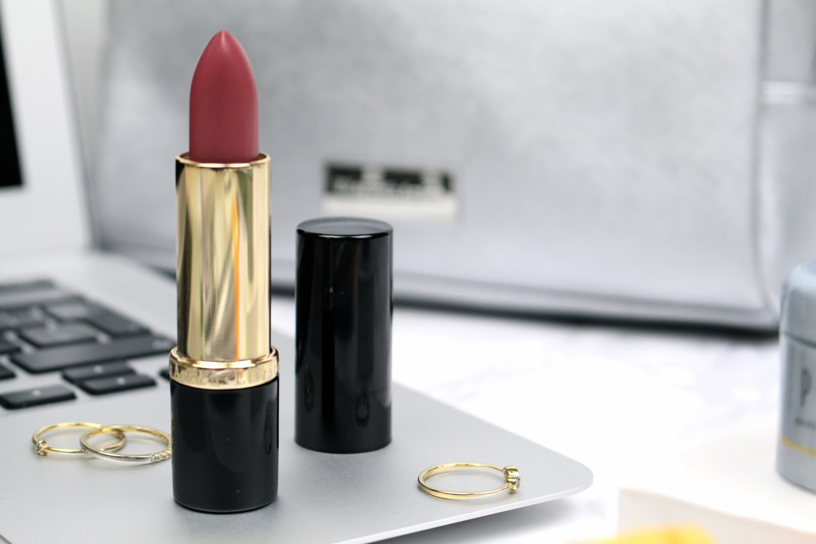 Elizabeth Arden Ceramide Ultra Lipstick Rose review