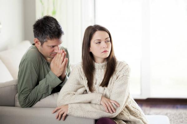 Tôi bức bối khi mang thai mà không được chồng quan tâm