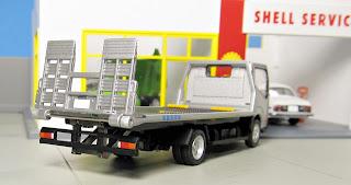 Tomica Limited Vintage NEO LV-N144b Nissan Atlas Safety Loader