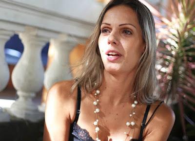 Transexual Fabiana Mello