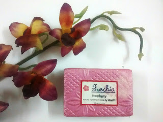 Product Review - Fuschia Raspberry Natural Handmade Glycerine Soap