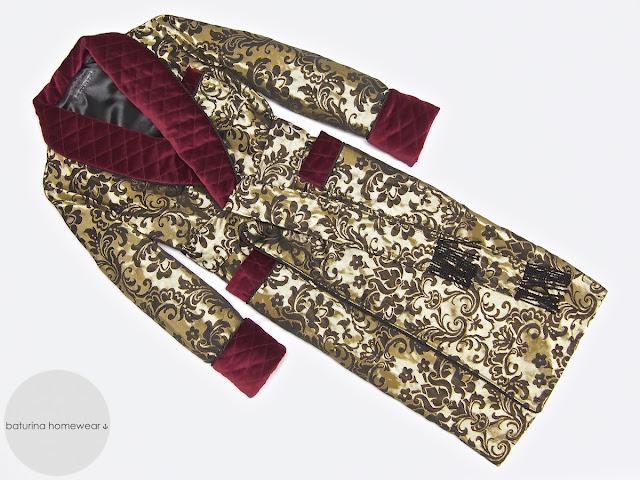 Herren Hausmantel aus Samt und Seide Weinrot Gold Paisley Brokat edel Luxus Morgenmantel für Männer warm gefüttert Dressing Gown