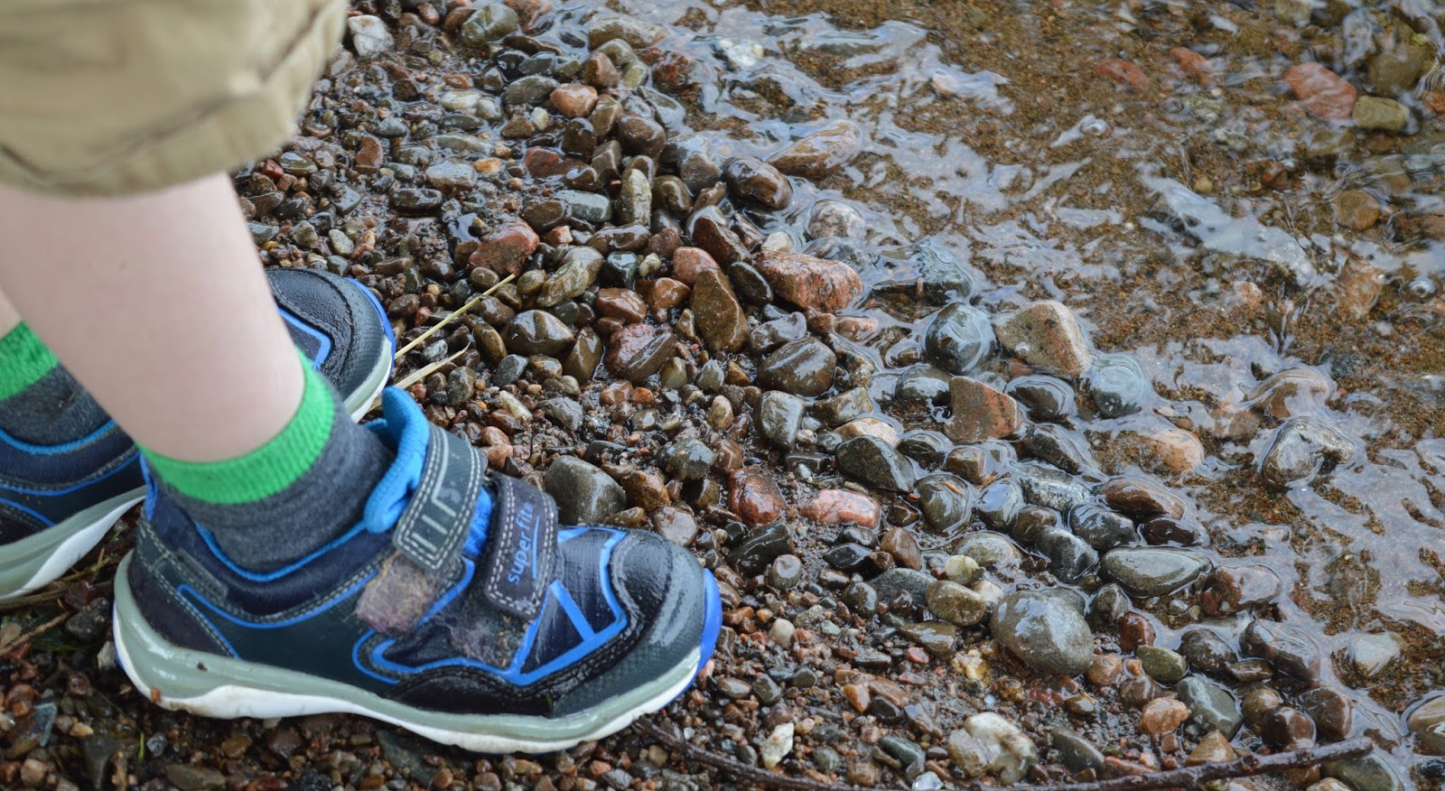 Paddling in Loch Ness and keeping our feet dry with GORE-TEX shoes