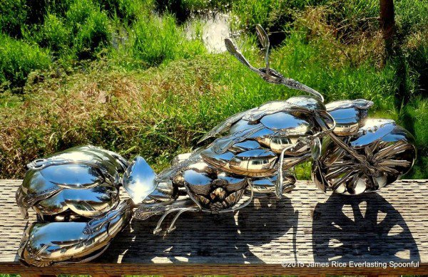 02-Jim-Rice-Chopper-Motorcycle-Sculptures-made-from-Spoons-www-designstack-co